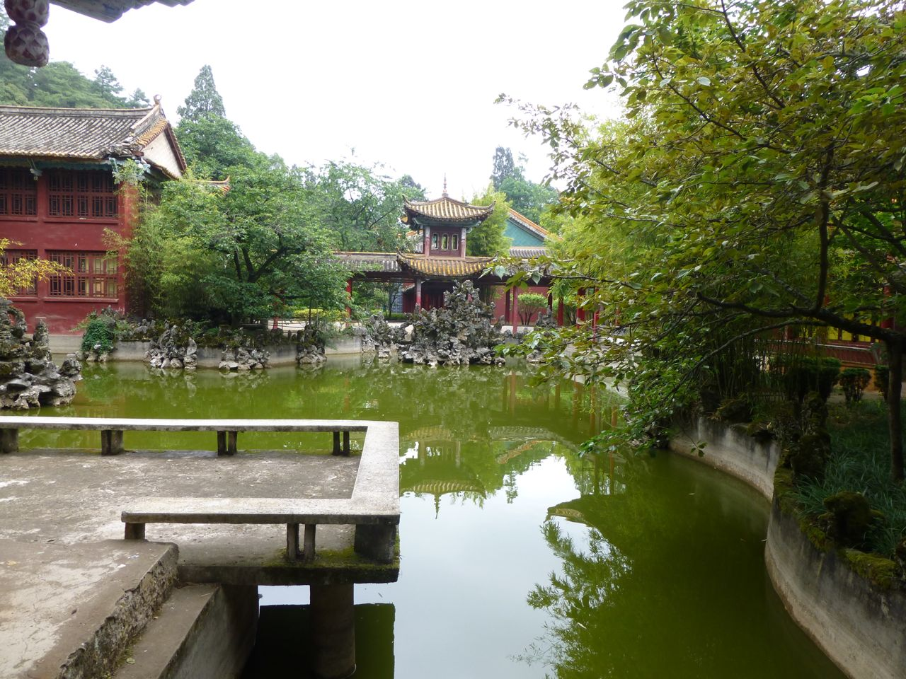 Pond at Taihua temple